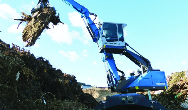 FUCHS to unveil award-winning purpose-built cab and show  MHL320F and upgraded MHL370F material handlers