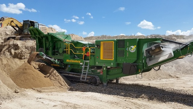 New design for McCloskey I54 V3 mobile impact crusher