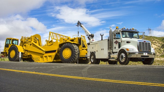 New 11-foot mechanics truck and 25-foot telescopic crane