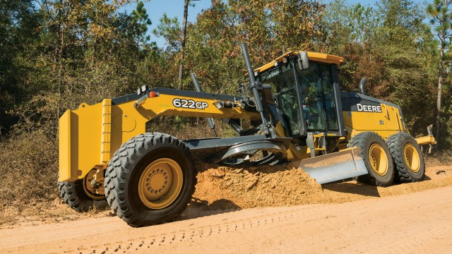 Deere adds models and updates G-Series graders