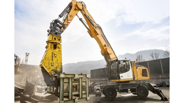 Liebherr supplies cylinders for new scrap shears by Genesis