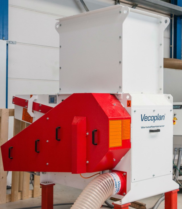 Vecoplan develops energy-efficient single-shaft shredders for wood-processing companies