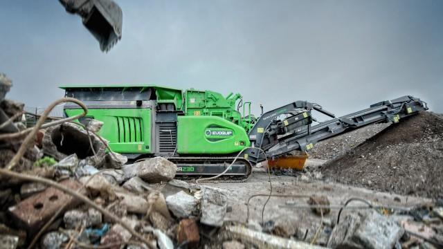 Cobra 230 impact crusher serves multiple operations