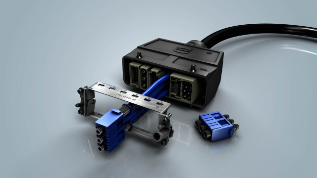 Pneumatic module metal connector withstands pressure up to 10 bars