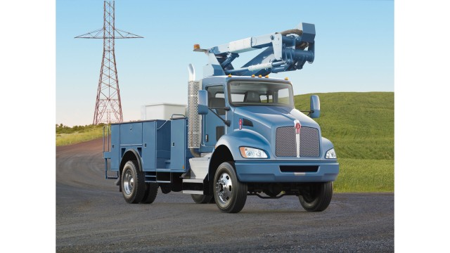 Factory-installed heavy front drive axles now available on Kenworth T370