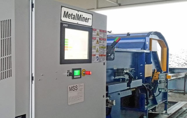 MetalMiner uses MapLine technology that allows users to target specific metal types or objects by amplifying the sensitivity for non-ferrous metals, especially wire, while simultaneously reducing it for ferrous dust.