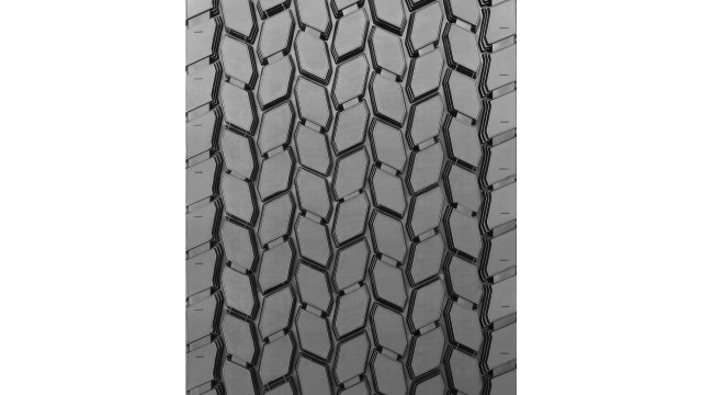 New drive-axle position retread for line haul and regional trucking