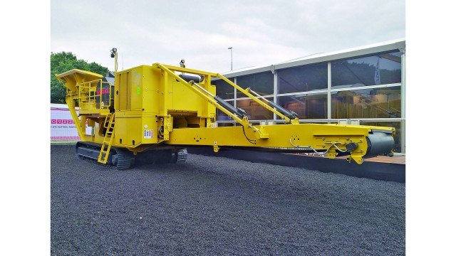 Diesel electric jaw crusher offers compact transport and all-around production