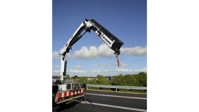 IMT launches articulating crane models with higher lift capacity