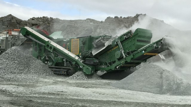 McCloskey debuts highly efficient I44R mobile impact crusher