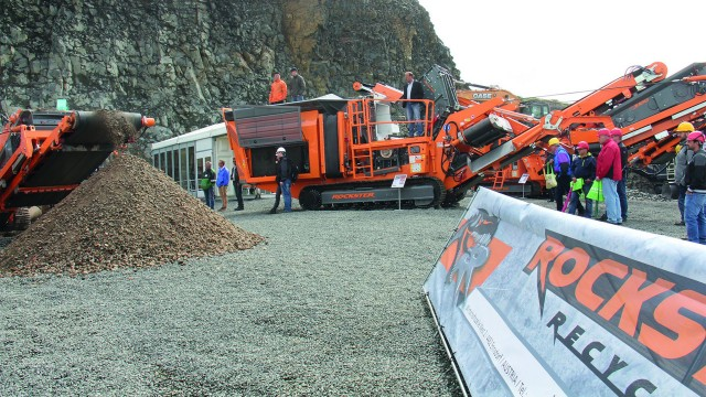 Great interest in Rockster impact crusher R1000S at SteinExpo 2017