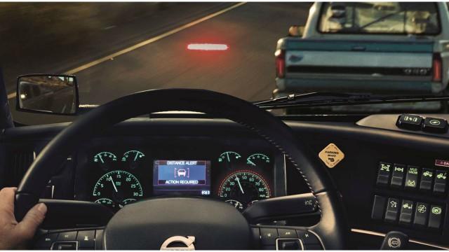 Active innovations make new VNL and VLR safest Volvo trucks ever