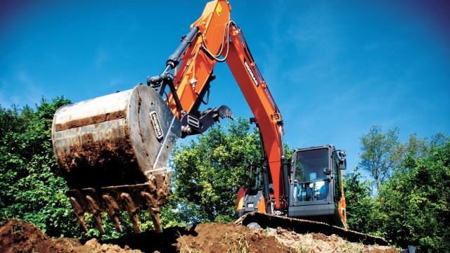 Doosan displays DX140LCR-5 excavator at World of Concrete