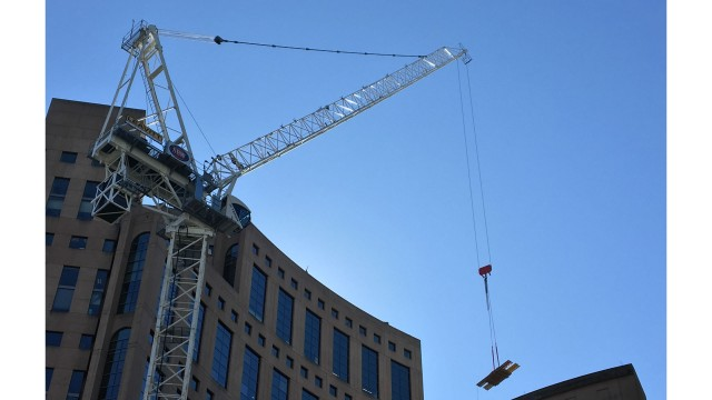 Terex crane right choice for challenging location during downtown Vancouver project
