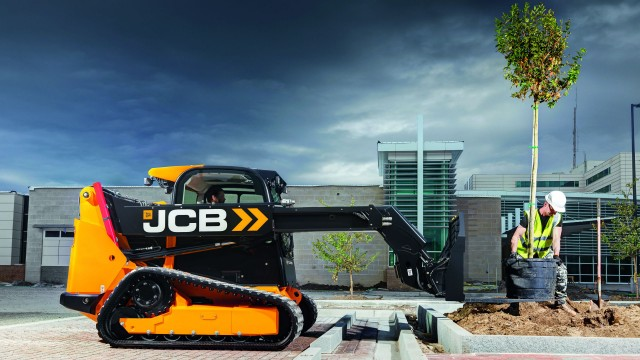 JCB displays Teleskid and compact excavator at Landscape Ontario Congress