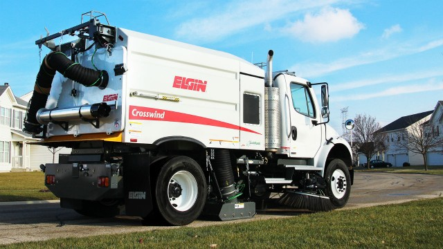 Single-engine configuration introduced on street sweeper