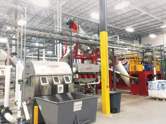 At CarbonLITE's recycling facility, in Dallas, Texas, the washing line supplied by AMUT has the state of art of the technology and is the second plant of its size in operation in the USA, producing over 12.000 pounds per hour of high quality PET from MRF post-consumer bales.