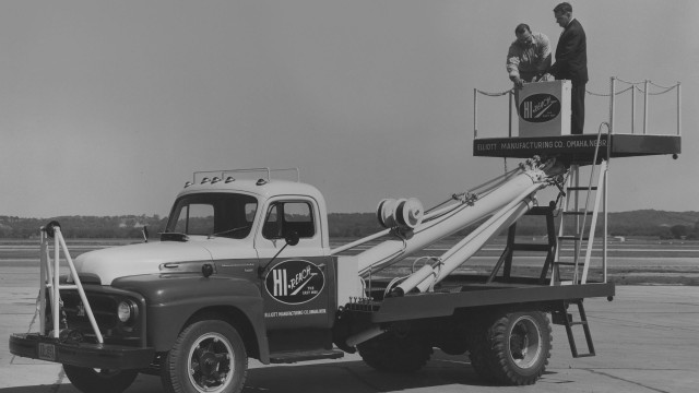 Elliott Equipment has been building HiReach platforms and other truck-mounted work tools for 70 years.
