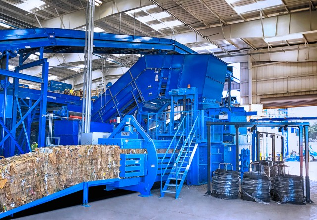 Following the establishment of Kadant & BHS' partnership in 2017, the new Monterey facility includes the first PAAL Konti baler to startup in North America.