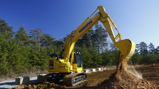 Tight tail swing performance and strong lift capacity from new Komatsu excavator