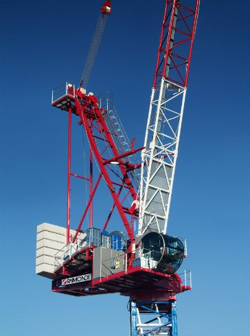 The Raimondi LR330 boasts a maximum jib length of 60 meters and a maximum capacity of 18,000 kg