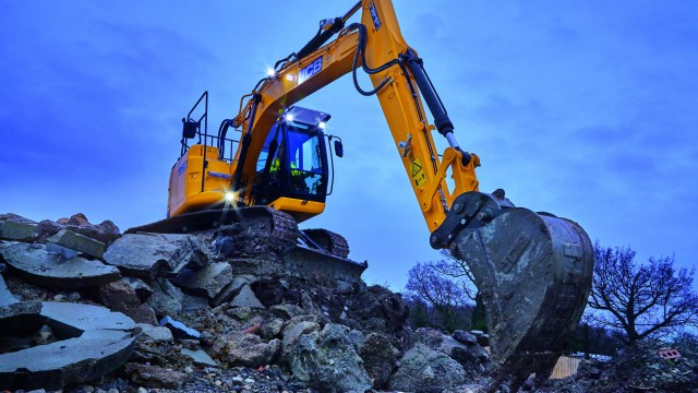 JCB JZ141 excavator makes its North American debut