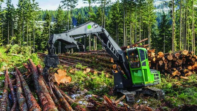 John Deere 3756G Swing Machine Receives Prestigious  GOOD DESIGN Award