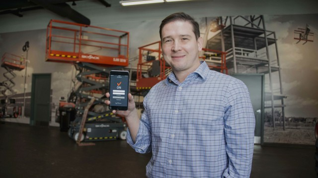 David Swan, product manager at Skyjack with the new Elevate app
