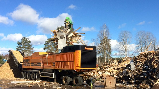 More power, longer service life and a magnet that attracts everything to it:  Doppstadt improves the DZ 750 universal shredder