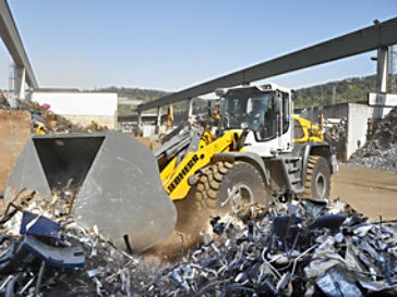 The Liebherr L 550 wheel loader.