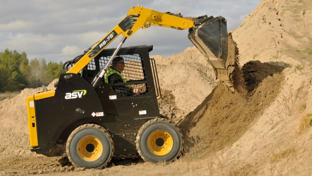 ASV's radial-lift RS-75 and vertical-lift VS-75 skid-steer loaders feature highly efficient hydraulics and cooling systems.