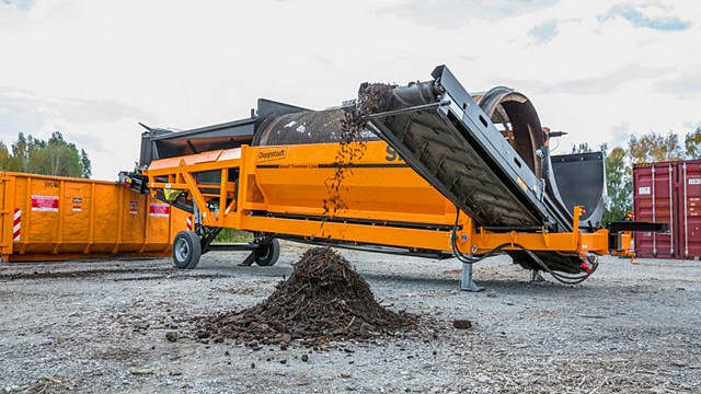 Doppstadt'd new SM 617 FLEX trommel available in North America from Ecoverse