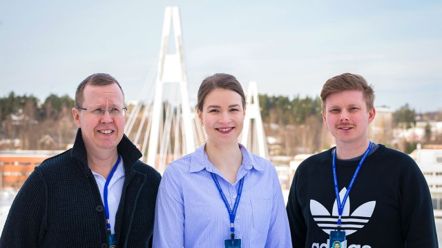 Project leader Ari Väisänen, Dr. Siiri Perämäki and M.Sc. Joona Rajahalme are part of the research team that has developed methods for the valorization of various waste materials.