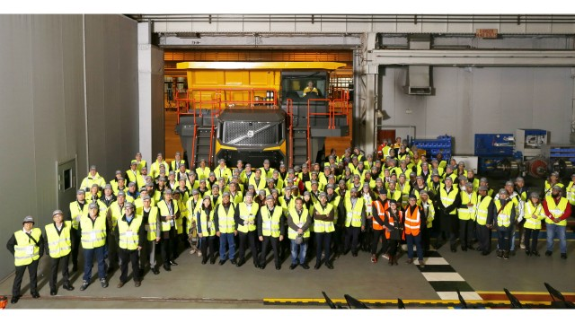 Volvo CE unveils new range of Volvo-branded rigid haulers to customers and dealers at Scotland facility