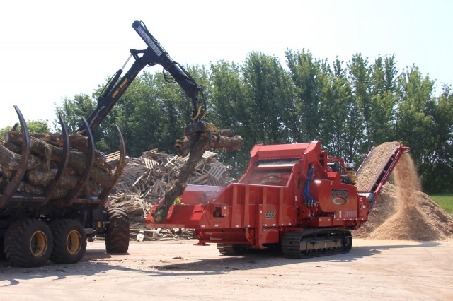 Rotochopper's largest, most sophisticated grinder, the B-66 is available as an electric-powered model and is designed to process a broad range of raw materials, from whole trees and railroad ties to C&D wood and pallets.