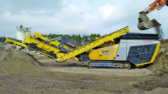 Keestrack's R3e track-mounted impact crusher.