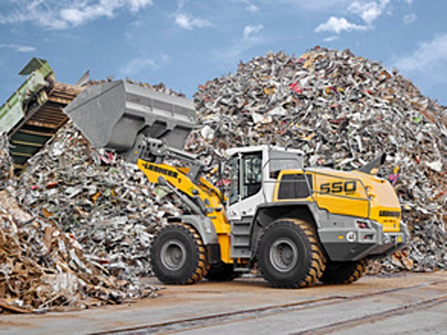 Liebherr displays high performance wheel loader and compact excavator at Waste Expo 2018