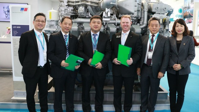 MTU and Jereh Petroleum Equipment signed the contract together with MTU's Oil & Gas distributor in China, China Diesel Support Services (CDSS), during CIPPE. From left to right: Tony Chan, General Manager of MTU Hongkong; Wang Wei Zhong, General Manager Distribution & After Sales, CDSS; Zi Jing Zhong, President of Jereh Petroleum Equipment; Scott Woodruff, Director of Mining and Oil & Gas, MTU; Chu Fu-Min, Vice President of Sales and Business Development, MTU China and Zhang Wei, Vice President of Jereh Group.