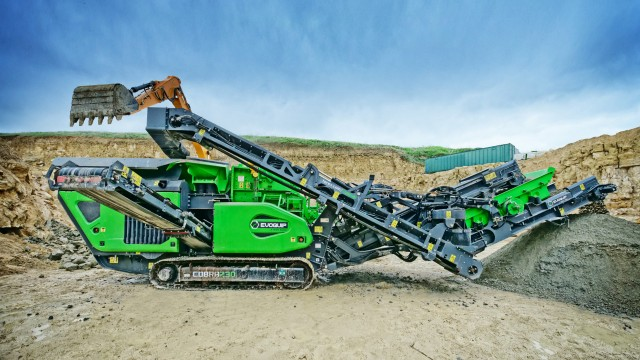 EVOQUIP launches new compact, mobile crushers and screens at HILLHEAD UK