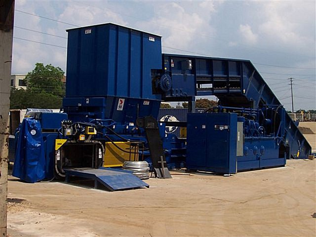 The 8043HSL-11225 is the next generation of American Baler's most popular single-ram recycling baler.
