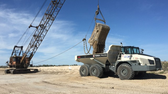 B-C Equipment Sales' first Terex TA400 demo in South Texas.