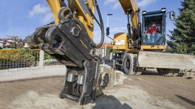 Engcon to include an automatic attachment system as standard on tiltrotators