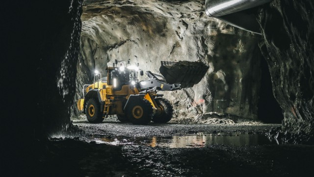Volvo CE tests remotely operated wheel loader in underground mining application