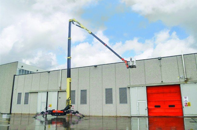 JLG to expand compact crawler boom line into 100-foot height class
