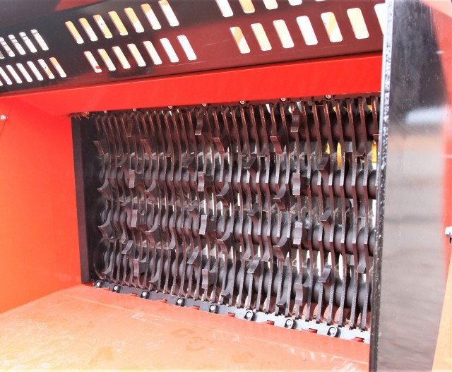 Allu's TS Axe Blades for crushing and shredding applications.