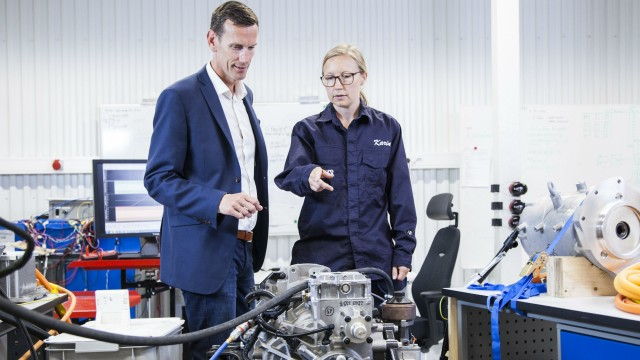 Volvo Penta's chief technology officer, Johan Inden, and system engineer, Karin Åkman, discuss innovation for electromobility at the company's new development-and-test laboratory in Gothenburg.