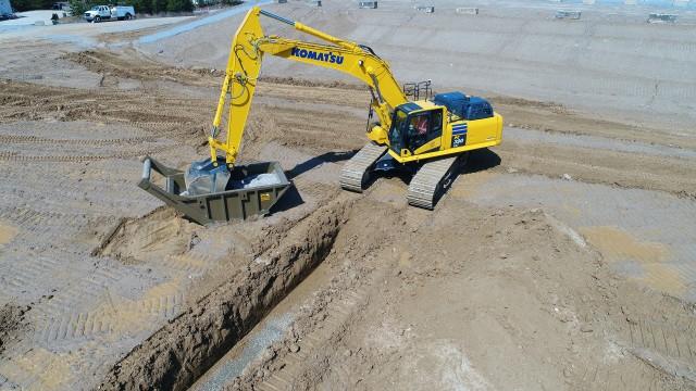 Komatsu 3D semi-automatic excavator combines machine speed, stability and 3D intelligent machine control in the operator joystick