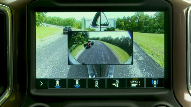 The Trailer Camera Package enhances trailering views, using up to four available cameras to provide a 270-degree view.