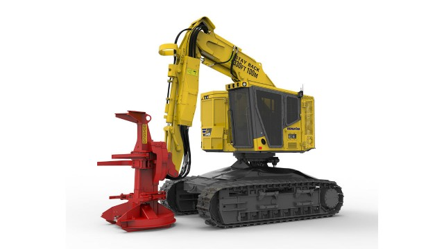 New Komatsu XT-5 Series features a more powerful engine, gull-wing style engine hood/service platform, increased lift capacity, new heavy-duty undercarriage, relocated cab and a KOMTRAX® telematics system (photo may include optional equipment).