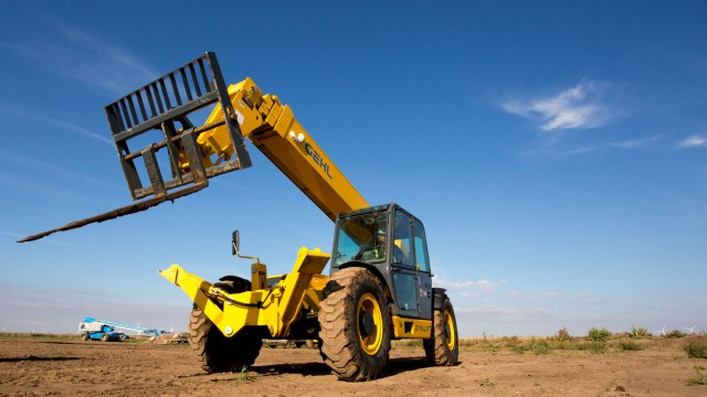 Gehl GEN:3 telehandlers boast all-in-one joystick, three types of attachment systems